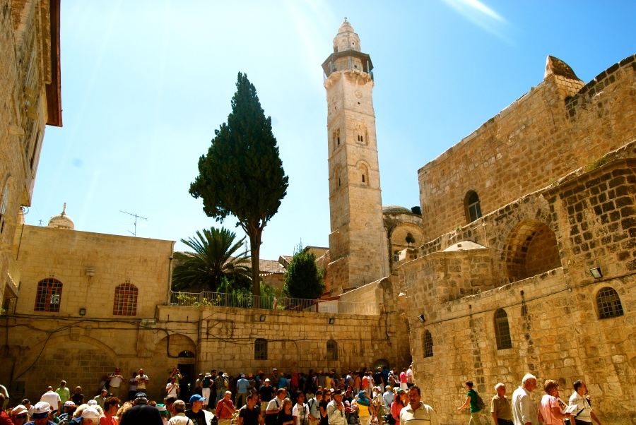 Holy_Sepulchere_Courtyard_Mosque_of_Omar